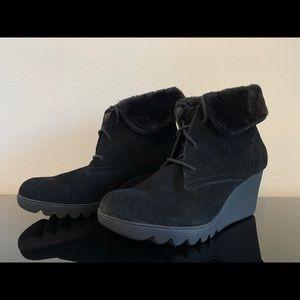 Donald J Pliner black booties 7 1/2
